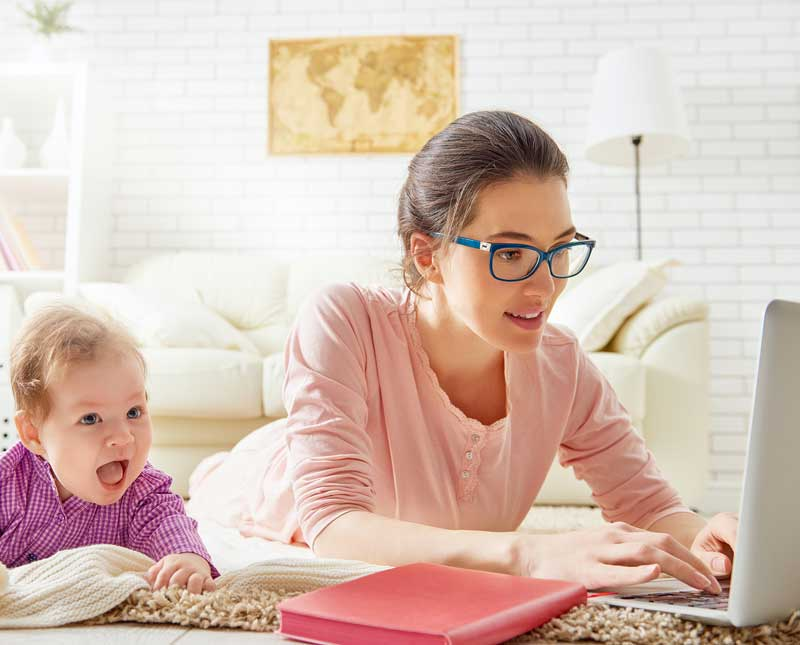A Stay at Home Mom Changes Her Life Forever by Enlisting Live Chat Agents